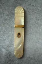 ANTIQUE 1800'S FRENCH PALAIS ROYAL MOTHER OF PEARL NEEDLE CASE/HOLDER WITH PANSY