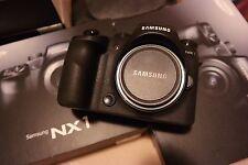 Samsung NX1 Noir 4K 28.2 Mp.(boitier uniquement) - Nouvel État.