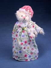 "DEB CANHAM'S ""LITTLE BO PEEP"" 3 3/4"" WHITE MOHAIR BEAR W/ TINY KITTY"