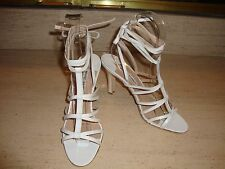 GORGEOUS, RARE & BRAND NEW MANOLO BLAHNIK WHITE LEATHER LACE UP HEELS (NWB)