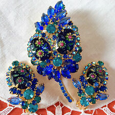 Excellent JULIANA Book SET Pin & Earrings Rhinestone Carved Glass Blue Fuchsia!