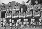 WOLVES FOOTBALL TEAM PHOTO 1951-52 SEASON
