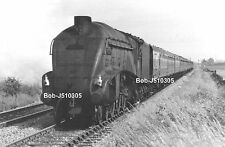 Railway Steam Photo.  : 60023 A4 GOLDEN EAGLE  62@ FERRY HILL      (1)