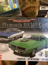 1970 Hemi CUDA Plymouth  1/25 Scale Model Kit Factory Sealed
