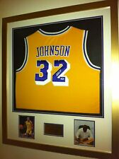 Magic Johnson Firmado Jersey (Psa Dna Auténtico) - Sin Enmarcar