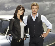 The Mentalist UNSIGNED photo - F938 - Simon Baker and Robin Tunney