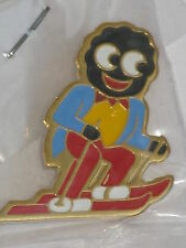 Robertson Collectable Badge - 80's Non Bubble Coated SKIER new in bag