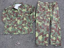 "(5) FINLAND ARMY M62 UNIFORM REVERSIBLE WOODLAND - SNOW CAMO 42"" CHEST"