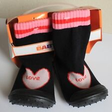 SALE*comfy black w/pink heart LOVE sock shoes/soft rubber soles(size 22-12.5cm)