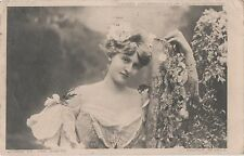 POSTCARD  GLAMOUR  Beauties  Queen of the Earth