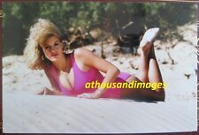 1980s Photo/Sexy Hot Blonde Laying On Chest Wearing Bikini At The Beach T193