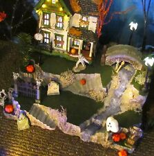 HALLOWEEN Village CREEPY CREEK Waterfall Display base platform Dept 56 Lemax