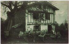 CPSM -64- PAYS BASQUE - Vieille maison Basque avec attelage de boeufs.