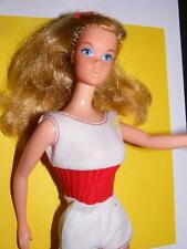 VINTAGE 1974 FREE MOVING BARBIE DOLL #7270 - wearing Original outfit Nice