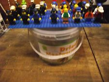 32 X LEGO MINI FIGURES Job Lotto con Cappelli