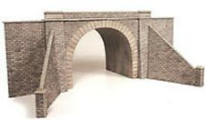 Metcalfe PO242  Stone Tunnel Entrance (00 Scale) Railway Model Kit