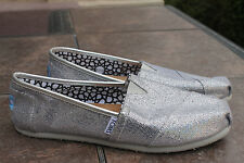 TOMS solid Silver Glitter Women's Size 8 w wide ballet Flats slip ons loafers