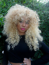 Hermosa Largo Honey Blonde Big Curly Afro Completo Peluca Con Flecos longitud de 24 ""