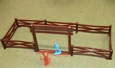 Marx Toys Farm Gate & 9 Fence Sections (brown) PL-186/187