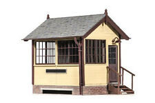 Peco LK-709 - New Product - Ground Level Signal Box 'O Gauge' Plastic Kit New