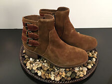 UGG AUSTRALIA WOMEN'S BOOTS STYLE: VOLTA CHESTNUT SUEDE SIZE 6.5 ~ NEW IN BOX!