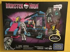 Monster High MEGA BLOKS FRANKIE STEIN Electrifying Room playset 147 pieces LIGHT