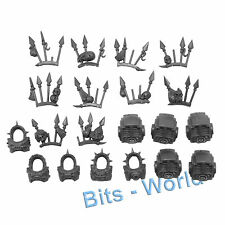 WARHAMMER 40K BITS: CHAOS SM TERMINATORS - TORSOS WITH TROPHY RACKS 5x