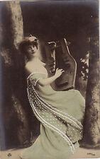 CPA - Jeune Femme jouant de la cithare. Photo Reutlinger, Paris.