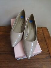 BANDOLINO PUMPS Shoes 6.5 PATENT BEIGE YANKA YARA Nude Wedge Heel Pointed Toe