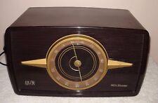 RCA Victor Model 1-R-81 AM|FM RadioTable Top Brown Bakelite Working
