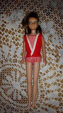 BARBIE DOLL LITTLE SISTER BRUNETTE SKIPPER VINTAGE FROM 1970? RED BEACH OUTFET