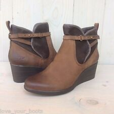 UGG EMALIE WATERPROOF BOMBER STOUT LEATHER WEDGE ANKLE BOOTIE  WOMENS US 11 NIB
