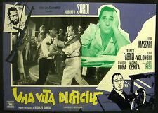 CINEMA-fotobusta UNA VITA DIFFICILE a. sordi, massari, fabrizi, DINO RISI