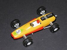 PETITE VOITURE FROMAGERIE ROUSTANG ECURIE FORMULE 1 1968-1972 N°5