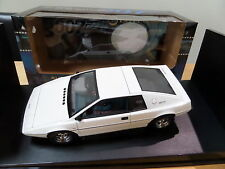 LOTUS ESPRIT 007 JAMES BOND AUTOART 1/18 m&b VERY RARE