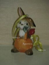 +# A016582_23 Goebel Archiv Muster Ostern Ornament Hase mit Rose 66-907