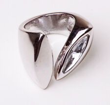 STRIKING GEOMETRICAL SILVER TONE MASSIVE RING ALMOND-SHAPED SPARKLE (ZX22)