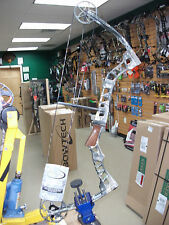 "New Parker Frontier Compound Bow RH 60# 29"" Factory Leftover w/ Warranty"