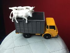 VINTAGE 1960S LESNEY MATCHBOX #37 CATTLE TRUCK WITH COWS IN MINT  CONDITION