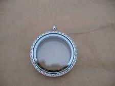 Pendant 30mm Stainless Steel Living Memory Floating Charm Locket + FREE Chain
