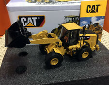 CAT CATERPILLAR 950M WHEEL LOADER W/ OPERATOR 1/50 BY DIECAST MASTERS 85914