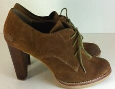 BCBG Lace Up Ankle Boot Bootie Brown Suede Heels Womens 9.5