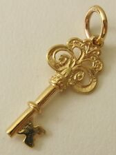 SOLID  9K  9ct YELLOW GOLD  3D  VINTAGE  KEY CHARM/PENDANT