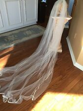 "STUNNING ELEGANT HANDMADE ANTIQUE WHITE  82"" BRIDAL VEIL WITH  RHINESTONE COMB"
