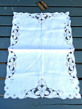 """VINTAGE MEDIUM SIZE 14"""" LONG CUT WORK  LINEN TABLE RUNNER - UP CYCLE ?"""