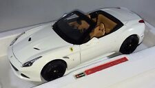 Bburago - 18-16904 - Signature Series Ferrari California Open Top - 1:18 - White