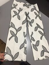 $345 Sz 46 US10 Piazza Sempione Crop Pants Floral Appliqué White Black Cotton