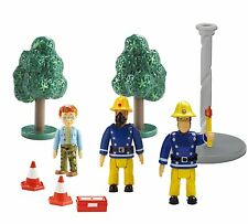 FIREMAN SAM - FIGURE AND ACCESSORY PACK - 9 PIECES - NEW