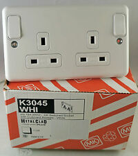 MK 13A DP 2 Gang Metal Clad Switched Socket Outlet White K3045