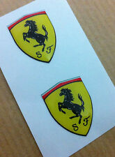 2 Adesivi Resinati Sticker 3D FERRARI Scudetto 35 mm